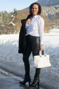 Lady of Style - Leather White Project